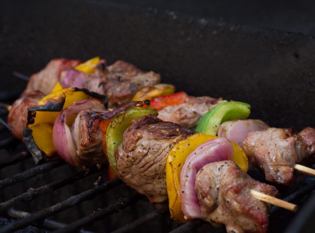 bbq skewers with beef and vegetables